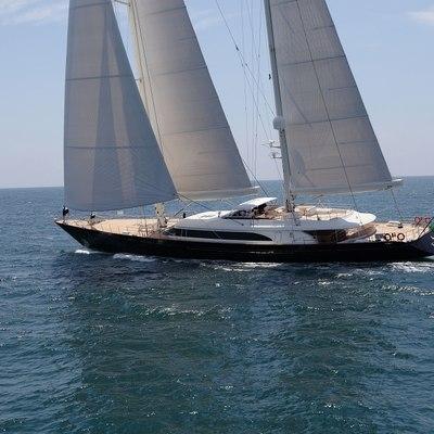 Fidelis Yacht Underway