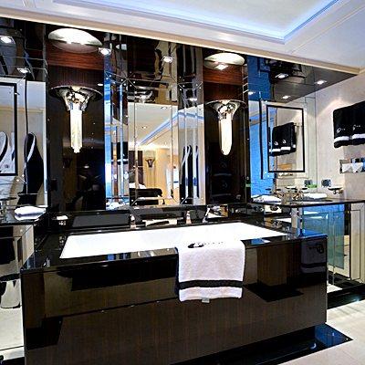 G Force Yacht Master Bathroom