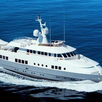 Berzinc Yacht Running Shot - Profile