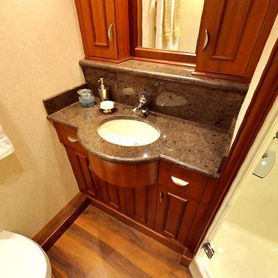 Liquidity Yacht Bathroom - Detail