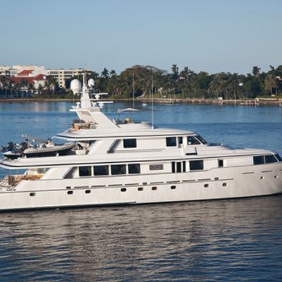 Sojourn Yacht Exterior
