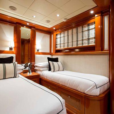 My Way V Yacht