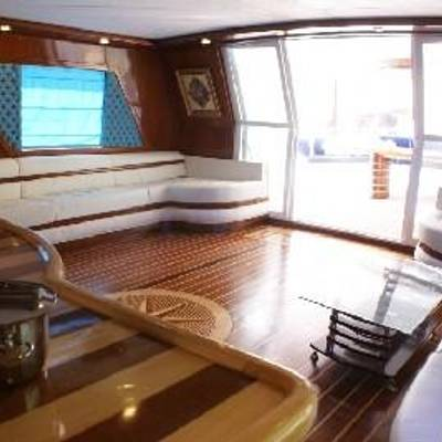 Esma Sultan Yacht Skylounge
