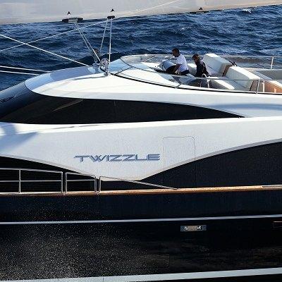 Twizzle Yacht Exterior Side - Detail