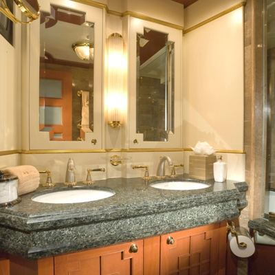 Queen D Yacht Port Guest Bathroom