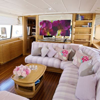 Sea Lady II Yacht Salon
