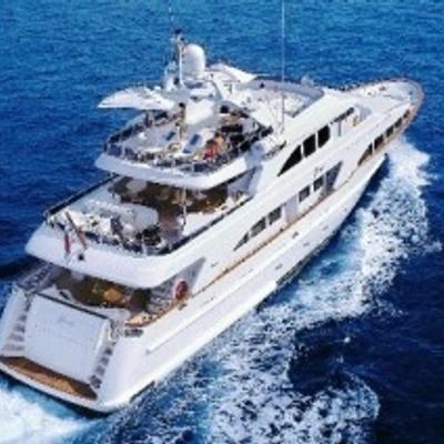 Inouis Yacht