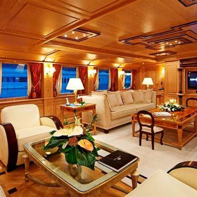 Enigma Yacht Main Salon - Seating