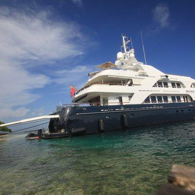 Bellami.Com Yacht Side View