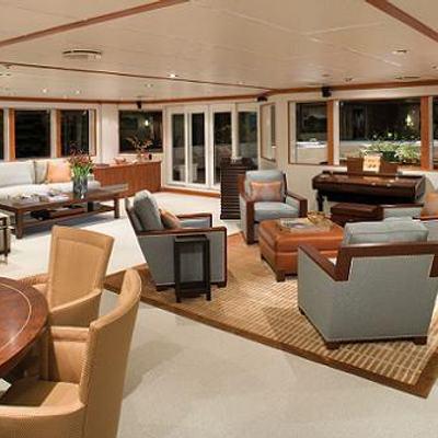 Nurja Yacht Main Salon