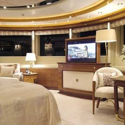 Sea Walk Yacht Master Stateroom - Screen