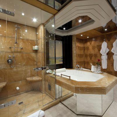 Sarah Yacht Master bathroom