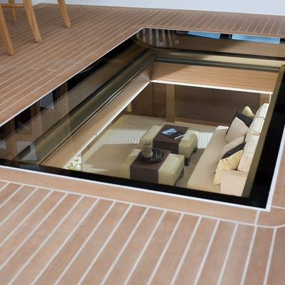 Namaste 8 Yacht Skylight - Deck Lounge