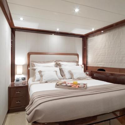 Kadimo's Yacht Guest Stateroom