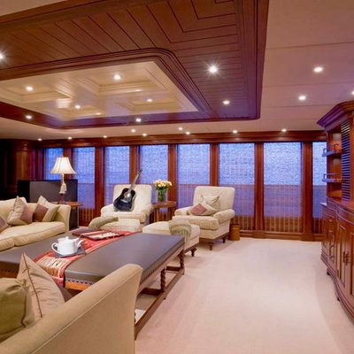 Nomad Yacht Upper Salon - Seating