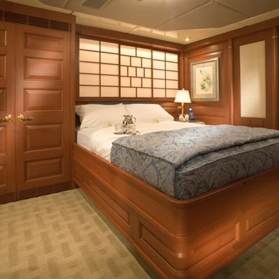 Queen D Yacht Forward Guest Stateroom