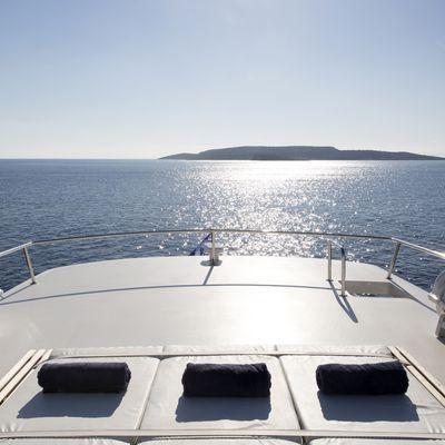 Libra Y Yacht