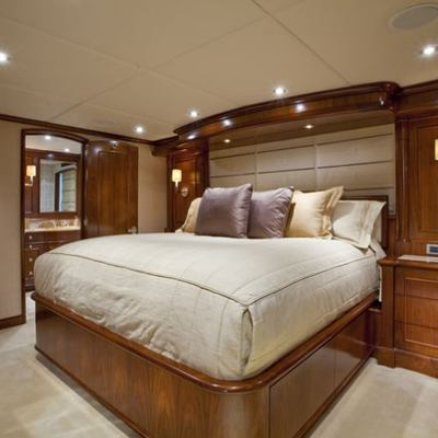 Wheels Yacht King Stateroom
