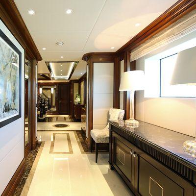 Seanna Yacht Hallway