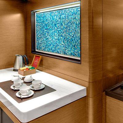 Kokomo Yacht Private Hallway