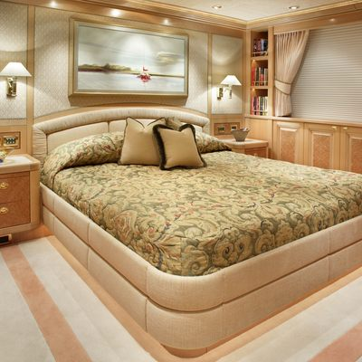 Laurel Yacht Guest Stateroom - Neutral