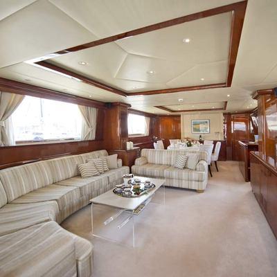 Falcon Island Yacht
