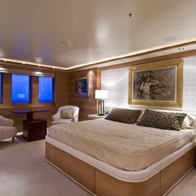 O'Neiro Yacht VIP Stateroom