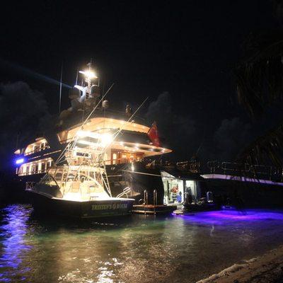 Bellami.Com Yacht Night Lights