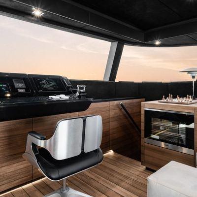 E Yacht