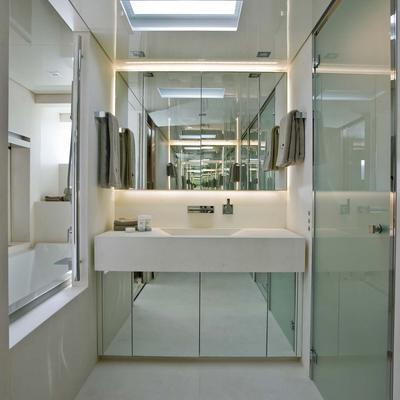 4A Yacht Master Bathroom