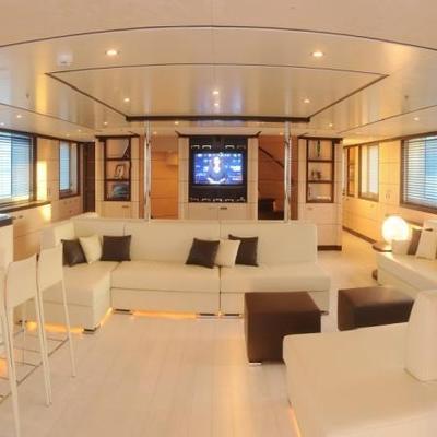 Michka V Yacht Salon