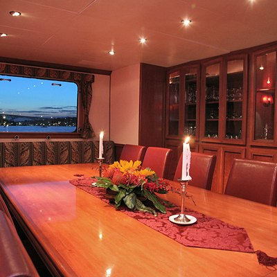 Kayana Yacht Dining Table