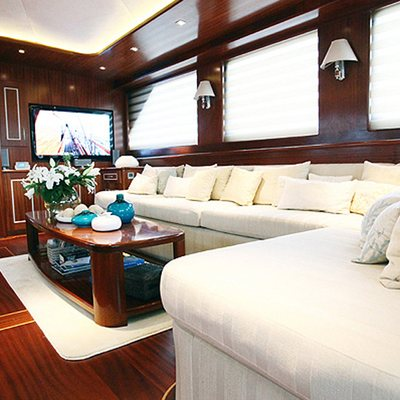Carpe Diem V Yacht