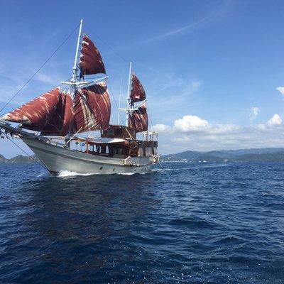 Nyaman Boat Yacht