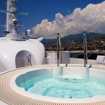 Diamond Yacht Jacuzzi