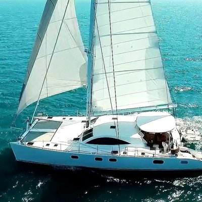 Laysan Yacht