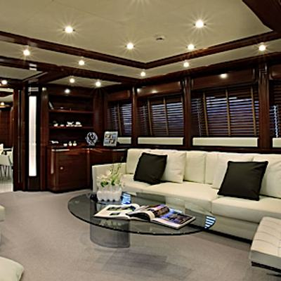 Libertas Yacht Main Salon - Seating