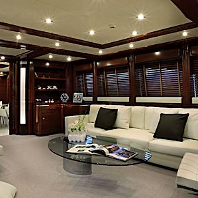 Libertas Yacht Main Salon - Seating