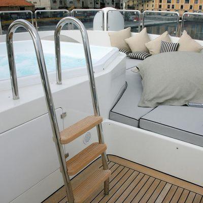 Satine Yacht