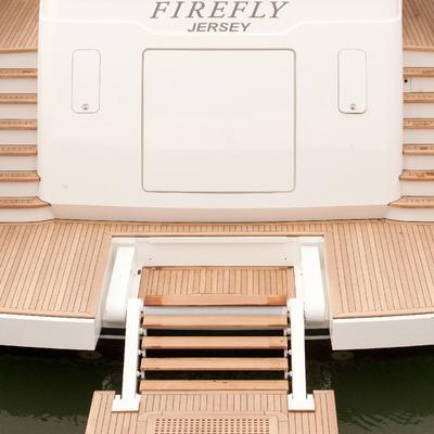 Firefly Yacht