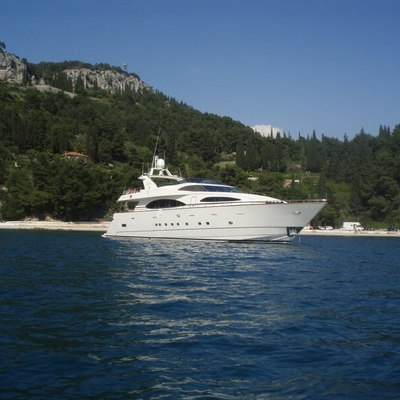 Happy Spirit Yacht Exterior