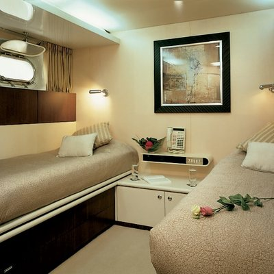 Lionshare Yacht Twin Stateroom