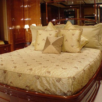 Aura Yacht Guest Stateroom - Bed