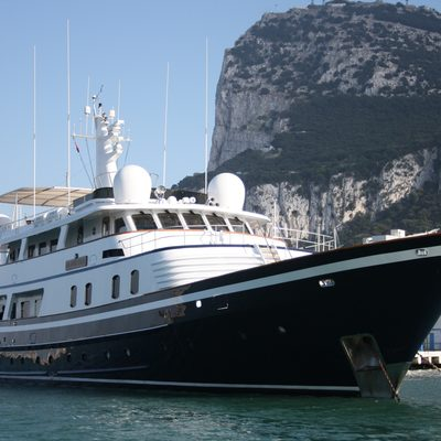 The Goose Yacht Front View