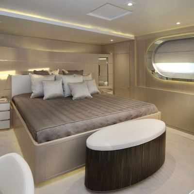 Light Holic Yacht Guest Stateroom - Bed