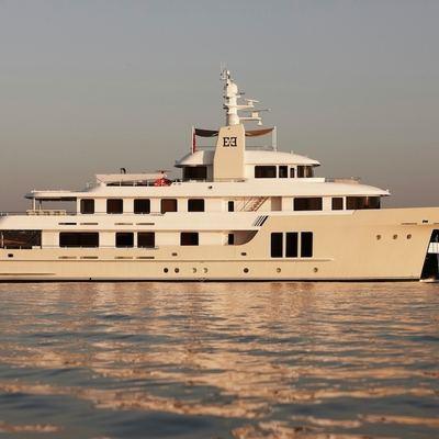 E & E Yacht Main Profile