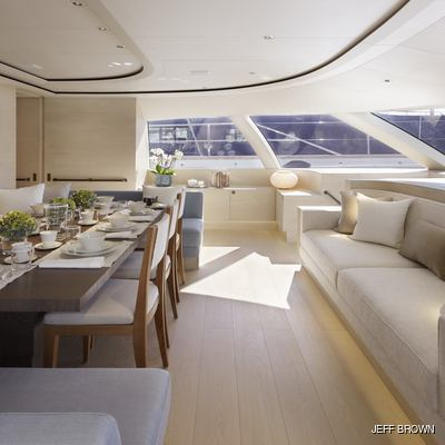 Twizzle Yacht Observation Lounge - Seating