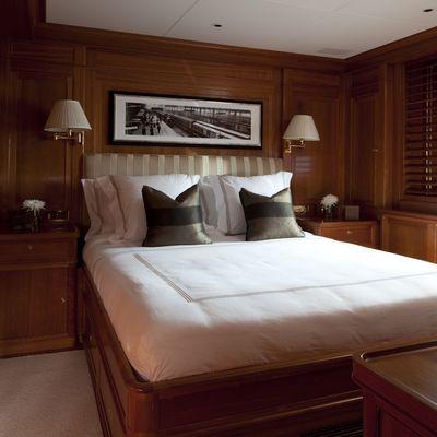 Luna Yacht Guest Stateroom
