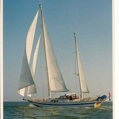 Sailing T