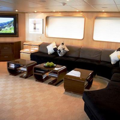 Maverick II Yacht Main Saloon Screen